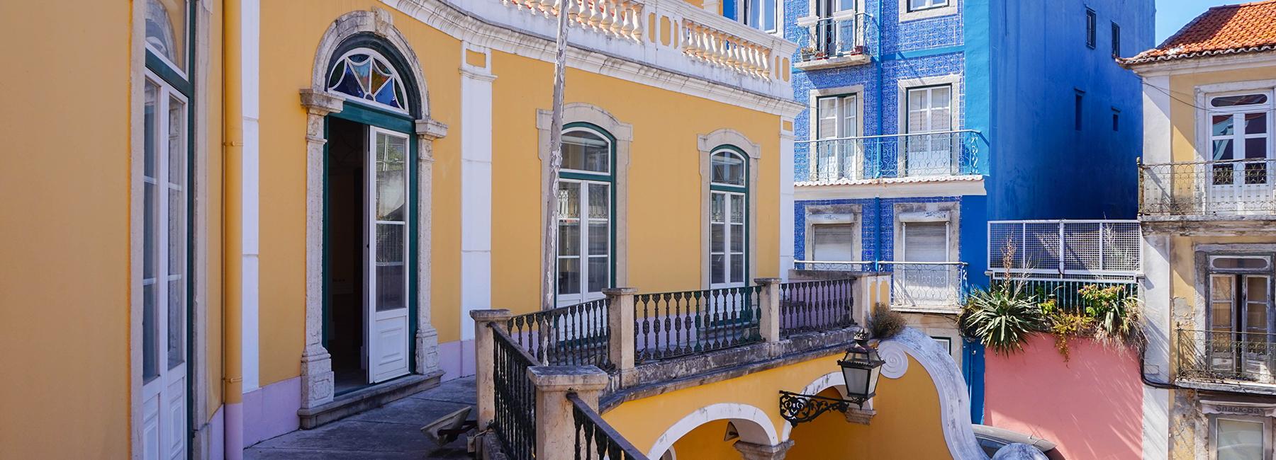 <a href='/imovel/palacete-no-rato-com-jardim-ideal-para-hotel-ou-empresa-lisboa/?rid=6751828' target=''>Rato - Prédio</a>